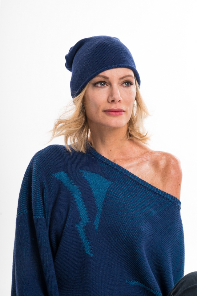 navy blue knitted merino beanie